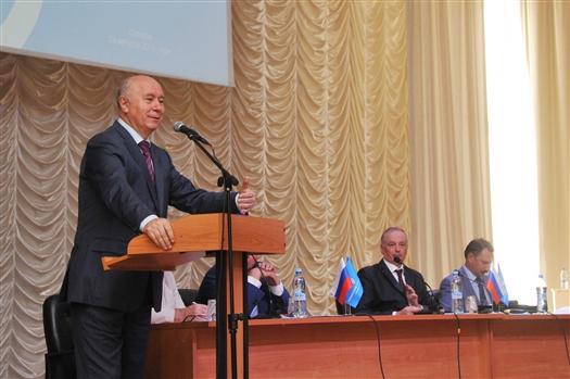 """Губернатор: """"Самарскому университету необходимо мощное развитие и технических, и гуманитарных специальностей"""""""