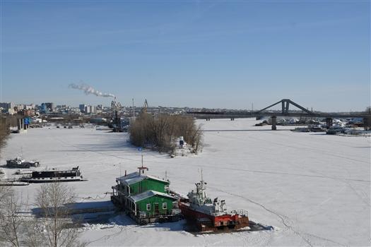 Из 667 м Фрунзенского моста собрано и надвинуто на опоры 250 метров