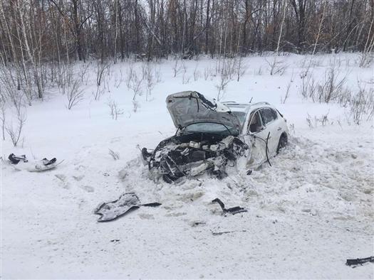 В ДТП под Самарой один человек погиб и пять пострадали
