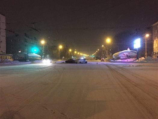 В ночном ДТП в Самаре пострадали два человека