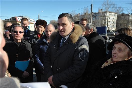Жители дома на ул. XXII Партсъезда выступили против строительства офисного здания