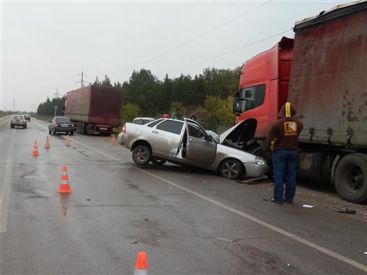 На трассе Тольятти - Димитровград погиб водитель, въехавший в стоявший на обочине грузовик