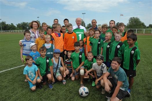 Жители Большой Черниговки поблагодарили губернатора за внимание к развитию спорта в регионе