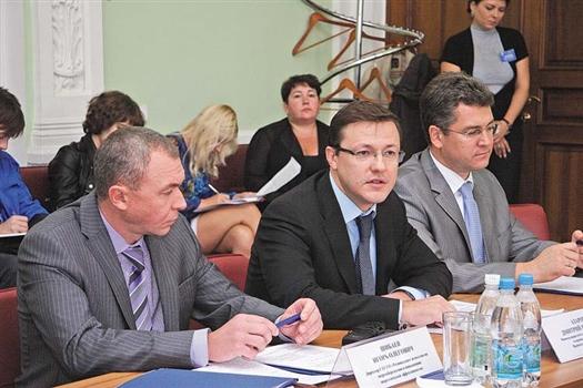 Дмитрий Азаров отметил, что задача энергосбережения является одной из приоритетных для руководства регионов и муниципалитетов.