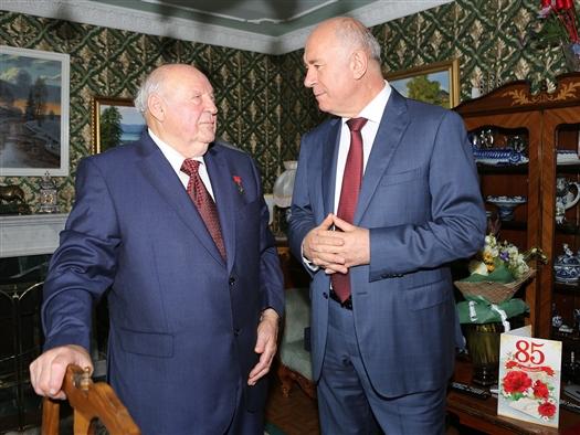 Николай Меркушкин поздравил Максима Оводенко с 85-летием