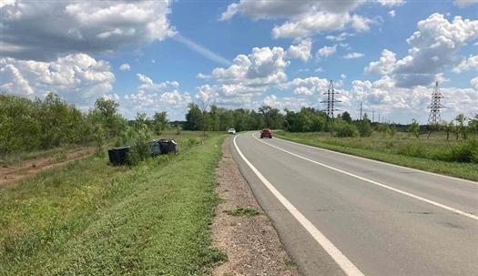 В Кинельском районе пострадал водитель перевернувшегося пикапа