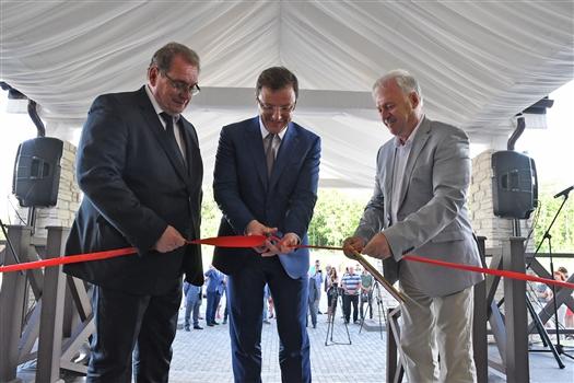 Глава региона открыл гостинично-туристический комплекс в Тольятти