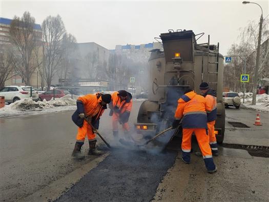 В Самаре ямочный ремонт дорог ведется круглосуточно