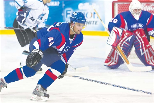 Героем матча стал Артем Востриков, сравнявший счет за пять минут до конца матча и переведший игру в овертайм.