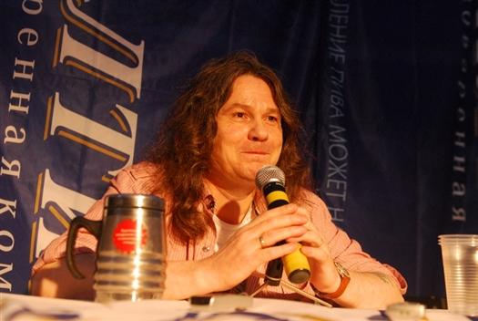 После своего выступления музыкант Сергей Чиграков поведал корреспонденту Волга Ньюс о своих мечтах