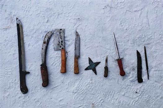 Жителю Октябрьска грозит срок за изготовление ножей и мачете