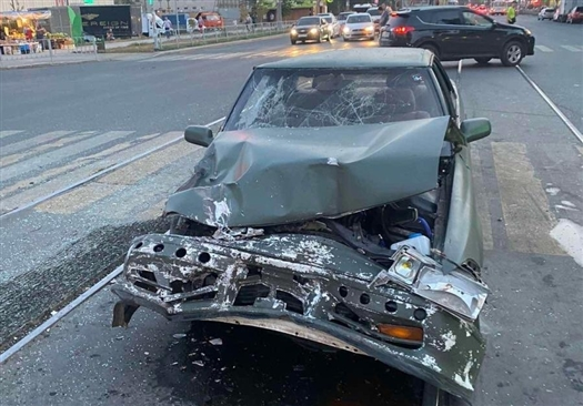 Женщина с ребенком в машине нарушила ПДД и попала в аварию в Самаре
