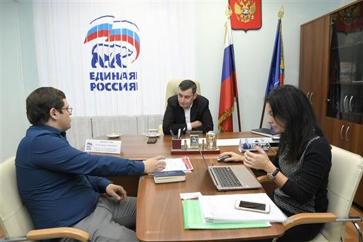 Депутаты Госдумы провели прием граждан в Самаре
