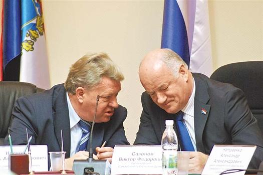 Председатель губдумы Виктор Сазонов (справа) и ректор СамГУ Игорь Носков являются коллегами в законотворческом процессе
