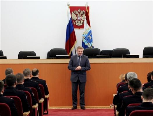 Андрей Коновалов (в центре) назначен начальником УМВД по Новгородской области