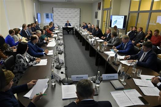 Дмитрий Азаров проводит в Тольятти совещание по проблемам экологии