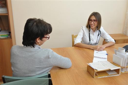 В поликлиники региона пришли на работу около 50 молодых терапевтов и педиатров