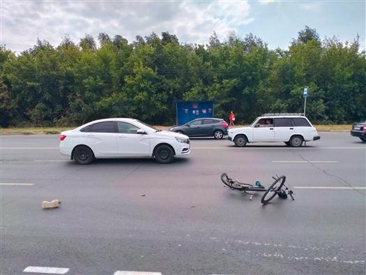 Нетрезвый велосипедист попал под машину в Тольятти