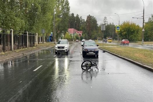 Тольяттинский велосипедист нарушил ПДД и попал под машину