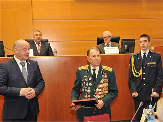 В Самаре участников Великой Отечественной войны наградили юбилейными медалями