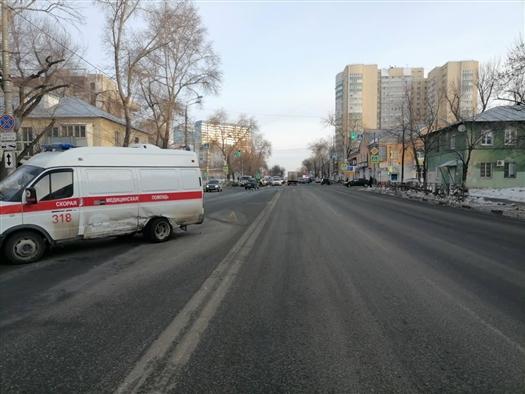 Автомобиль скорой помощи попал в ДТП в Самаре