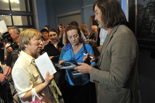 Самарчанка призналась в любви известному художнику Никасу Сафронову