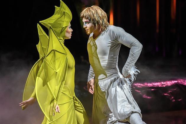 Нареченная и Икар. Фото предоставлено Cirque du Soleil